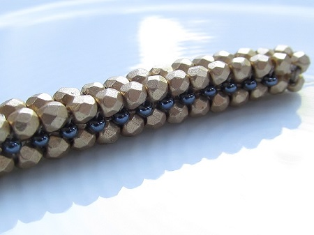 tubular herringbone stitch in fire-polished beads